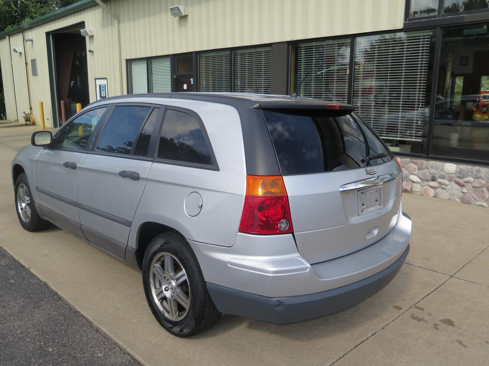 Pre-Owned 2008 Chrysler Pacifica LX